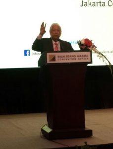 Duta Pariwisata Indonesia daerah Tiongkok Bpk. Ted Siong memberikan kata sambutan